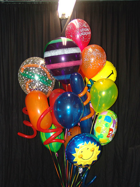 festive-balloon-bouquet