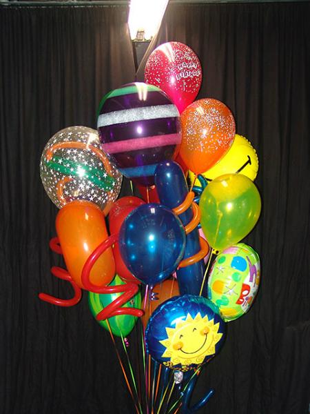 festive-balloon-bouquet