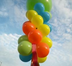 column-windsocks-carnival-colors