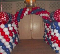 patriotic-columns-tunnel